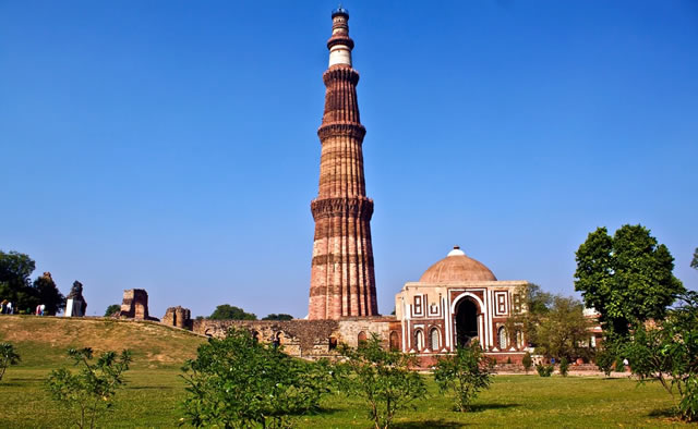 old and new delhi sightseeing tour by private car with guide